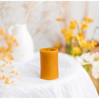 Cilindrinė bičių vaško žvakė (8,5 x 6,5 cm)