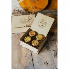 Medaus skanėstų rinkinys dovanų dėžutėje su Jūsų logotipu