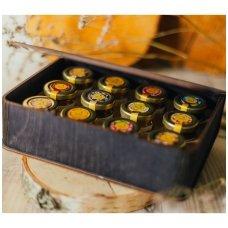 Medaus skanėstų asorti dovanų dėžutėje (juodos sp.)
