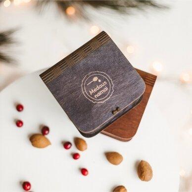 Medaus skanėstų asorti mini dovanų dėžutėje (juodos sp.) 2
