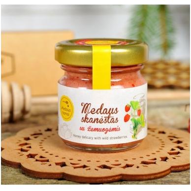 Medaus skanėstas su žemuogėmis, 50 g