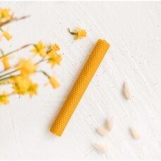 Natūralaus bičių vaško krikšto žvakė (26 x 3 cm)