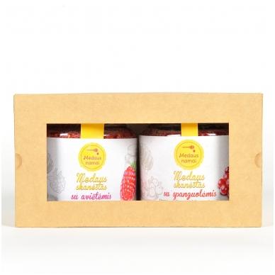 """Medaus skanėstų rinkinys dovanų dėžutėje """"Linksmų švenčių"""" 3"""